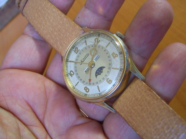 EXTREMELY RARE 1940'S MINERVA TRIPLE CALENDAR MOONPHASE VALJOUX 89