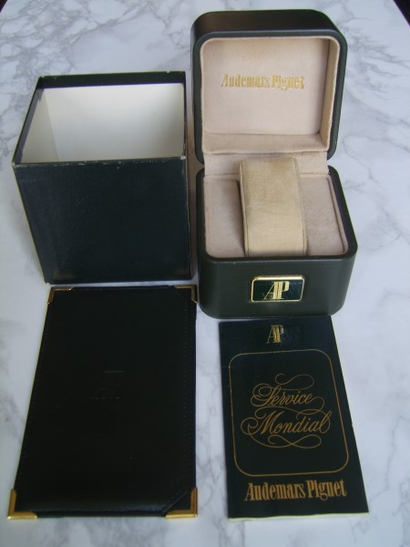 RARE 1970'S AUDEMARS PIGUET ROYAL OAK 5402 BOX + WALLET & WORLD SERVICE