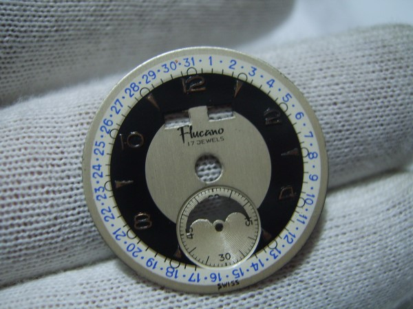VINTAGE NOS FLUCANO MOONPHASE TRIPLE CALENDAR DIAL FOR VENUS 203