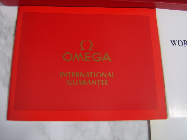 ELEGANT NOS 80'S OMEGA DEVILLE QUARTZ CAL 1378 ULTRA THIN BOX PAPERS