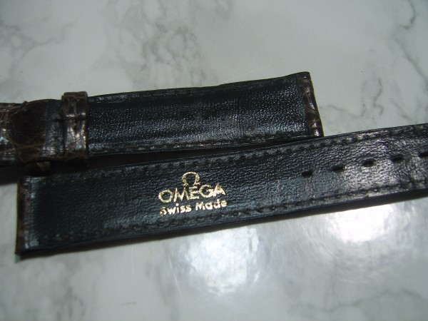 OMEGA : VINTAGE NOS 17X16 MM OMEGA BROWN CROCODILE STRAP