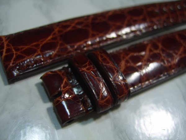 IWC : VINTAGE 17X16 MM IWC BROWN CROCODILE LEATHER BAND