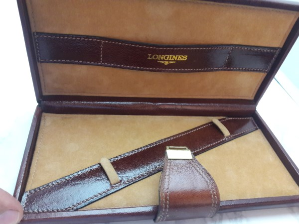 LONGINES : VINTAGE 1960'S BROWN LEATHER PRESENTATION WATCH BOX