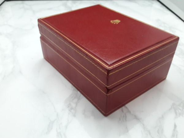 ROLEX : LADY DATEJUST RED LEATHER PRESENTATION WATCH BOX