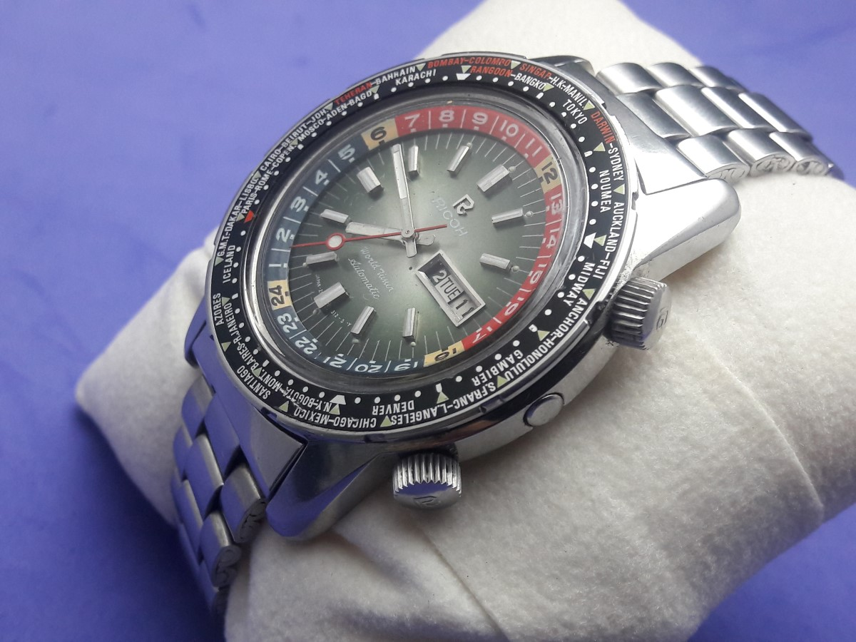 RARE OVERSIZE 1970'S RICOH WORLD TIMER GMT DIVER AUTOMATIC - FULL ORIGINAL