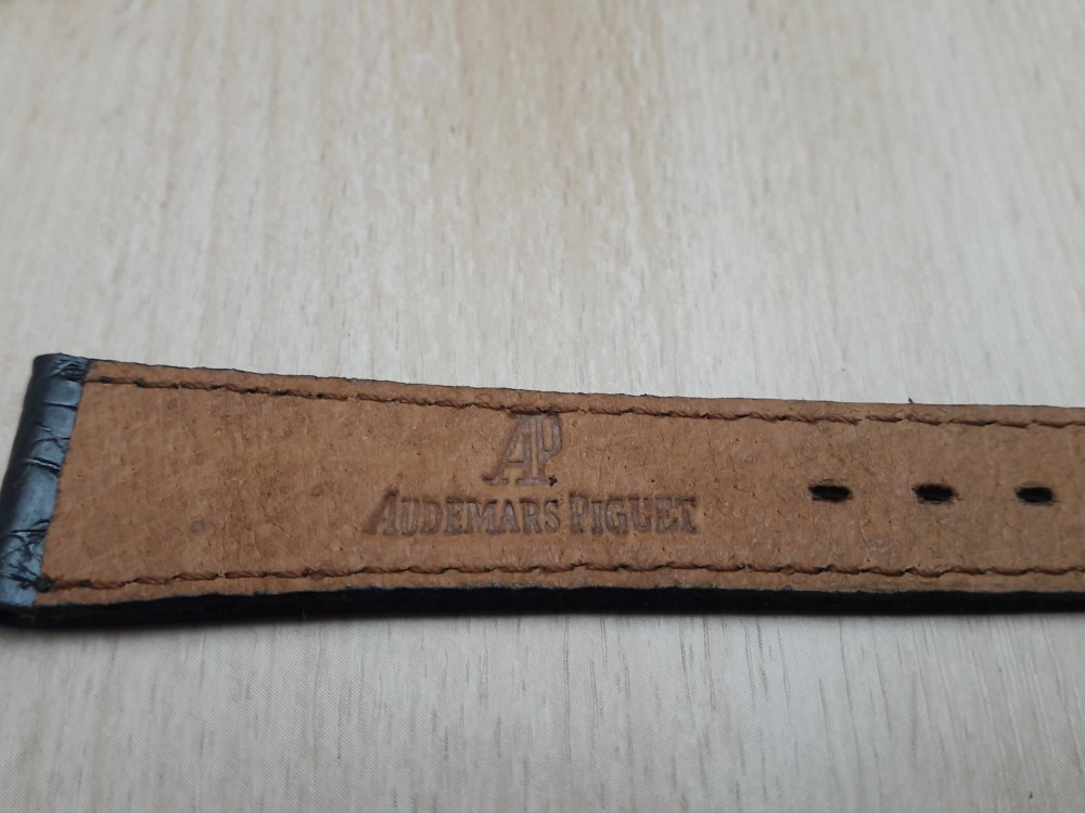 VINTAGE NOS 18X14 MM AUDEMARS PIGUET BLACK CROCODILE LEATHER BAND