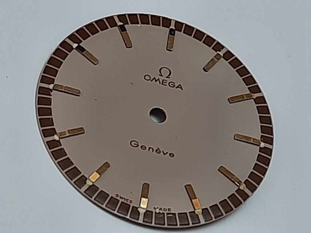 OMEGA GENEVE 135.041 DIAL FOR CAL 601 RARE 2 TONE COLOR 29.5 MM - NOS CONDITION